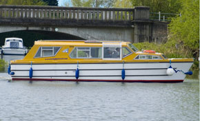Sundancer Cruiser Hire